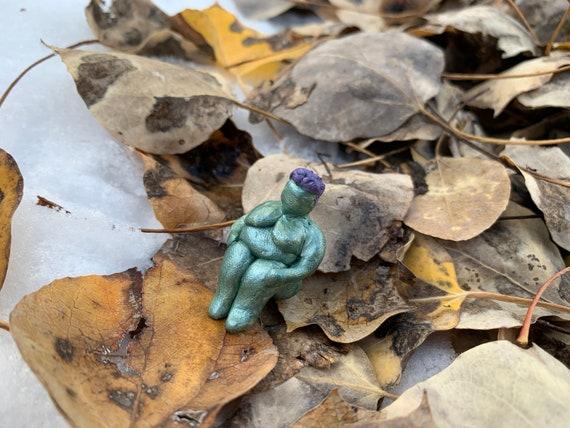 body positive nude figurine