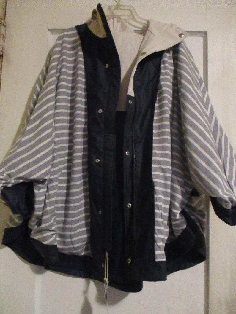 Hood Jacket Breathable Raincoat Washable New With Tags Seatle Rain Joules Waterproof Poncho Cape