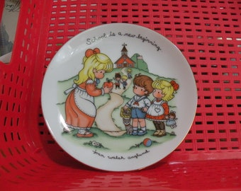1986 AVON Joan Walsh Anglund Plate School Is A New Beginning , New in Box