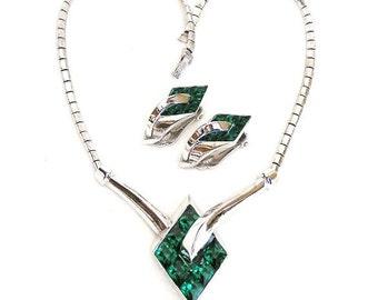 Trifari 1951 Emerald Green Pat Pend Necklace and Earrings Demi Parure