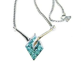 Vintage Trifari 1951 Necklace Invisibly Set Aqua Stones