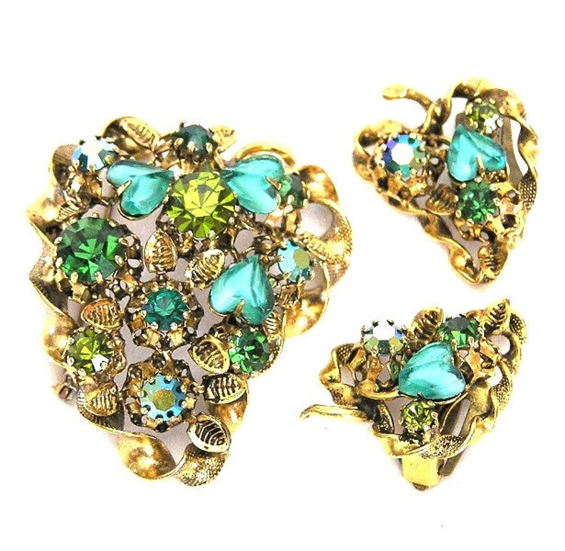 Made in Austria Green Glass Hearts Brooch and Earrings Set image 0