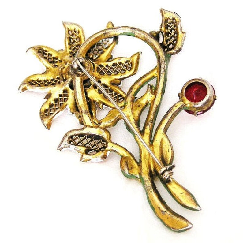 Art Deco Large Flower Brooch with Gold Filigree and Beautiful Enamel