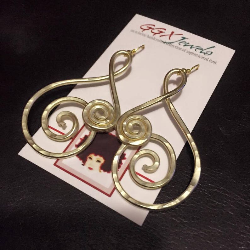 HYPNOTIZE: Bangin Beauties hammered aluminum wire earrings image 0
