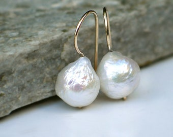 da47d9707 Baroque Pearl Earrings   White Kasumi Style Freshwater Pearls   Onion Drop    14k Gold Filled Kidney Earwires   Birthday Gift Everyday Pearl