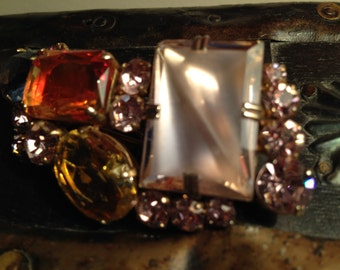 Vintage Pink Amber Mixed Pronged Stone Brooch