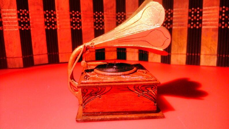 Dollhouse miniature working Art Nouveau gramophone Puppenstuben & -häuser