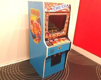Miniature arcade machine, Donkey Kong game, 1/12 dollhouse scale