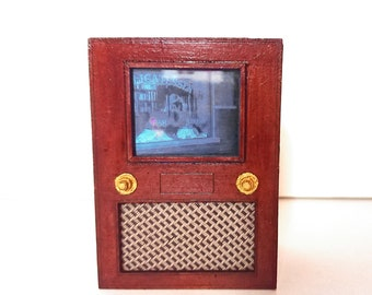 Miniature working mid century vintage TV, 1/12 scale for dollhouse and roombox.