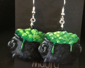 Bubbling cauldron earrings that are laser cut and hand painted to gift the illusion of 3D // gifts for her // halloween