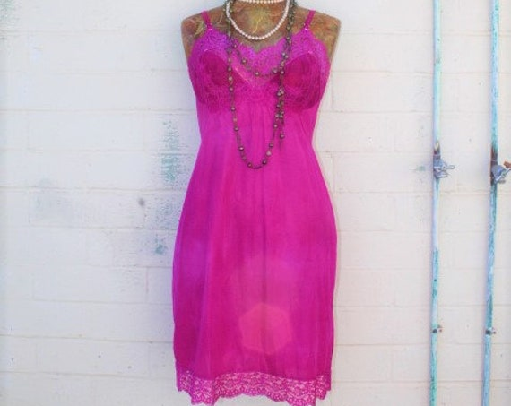 Medium Vintage Slip/Hot Pink dress/Feminine Fairy Dress/Bohemian Goddess/Vintage Dress/Mad Men/Vintage Dress/1950 dress/Vintage Lingerie