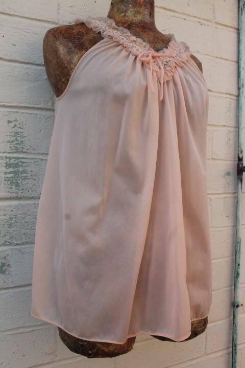 a15776a159e Small Vintage Tosca Peach Bridal Peignoir Nightgown Set Bridal peach ...