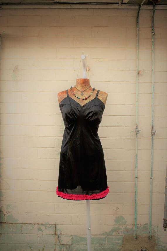 Large Black slip dress/Little Black Dress/Slip Dress/Black Lace Fairy/Vintage Black slip/Mad Men/Vintage Slip/Gothic Dress/Vintage Lingerie