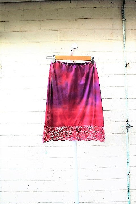 Small/Med Ruffle Layered Mini Skirt/Tie Dye Skirt/Chocolate Rose Vintage Skirt/Upcycled Clothing/Upcycled Clothing/Slip Skirt/Woodland Fairy