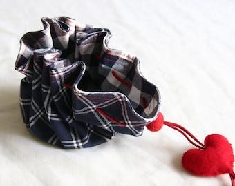 Christmas   Gift  blue white ------Cotton Purse ----valentine --felt heart.----red
