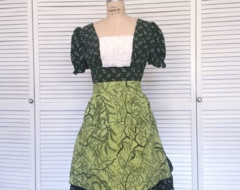 Vintage 1940s Green And Black Willow Print Half Apron - Halloween Kitchen Witch Costume Apron