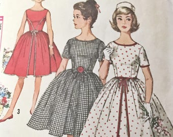 Vintage 1960s Simplicity Pattern 4867 - Juniors Sub Teen Cupcake Dress - Bust 29 inches