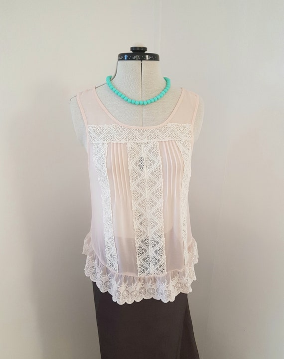 peach lace top, romantic clothing, SPECTACULAR det