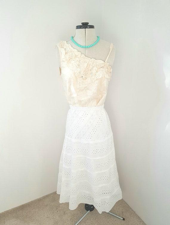 white lace skirt, victorian edwardian look, boho g