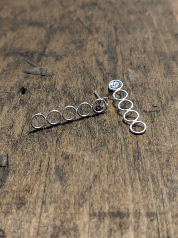 5 circle drop earrings