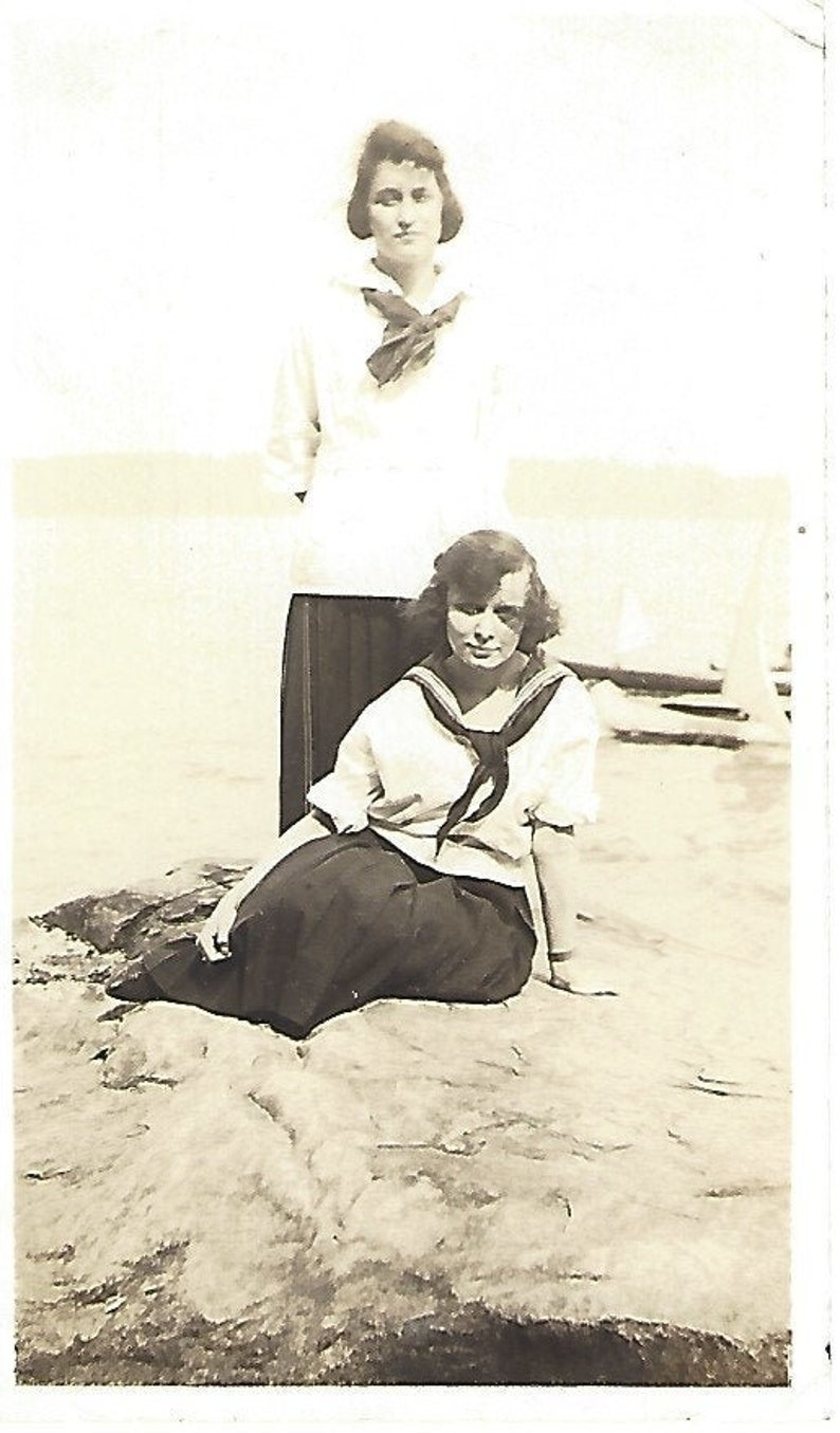 1920/'s Two Girls on a Rock Interstate Park Original  Vintage Photo Snapshot