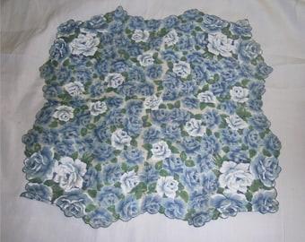 VINTAGE HANKIE - Blue & White Roses