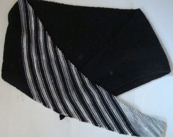 Triangle Black and Gray Shawl, Knitted Items, Womens Wrap, Ladies Scarf, Evening Shawl, Neckerchief, Neck Scarf