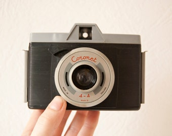 Vintage Coronet 4-4 Mark II camera 1960's with plastic case