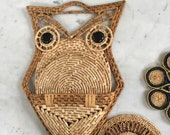 Vintage Owl Wicker Wall Hanging Raffia Mod Coasters Trivet