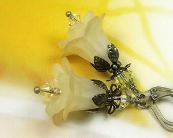 Boho Chic Light Yellow Vintage Style Flower Earrings, Swarovski Crystal Flower Earrings, Ecru, Gift for Her, Antiqued Brass,