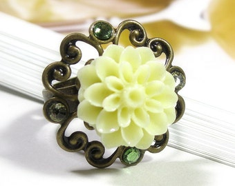 Yellow Flower Ring, Vintage Style Ring, Swarovski, Lemon Chiffon Chrysanthemum Ring, Gifts for Gardeners, Adjustable Ring, Gifts for Moms