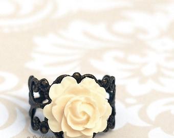 Anillo color de rosa - resina flor filigrana latón anillo - elegante marfil rosa - Bohemia