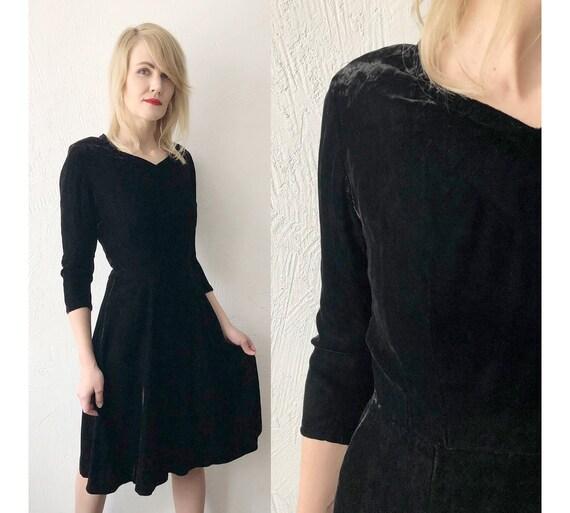 40s 50s handmade black silk crushed velvet dress.… - image 1