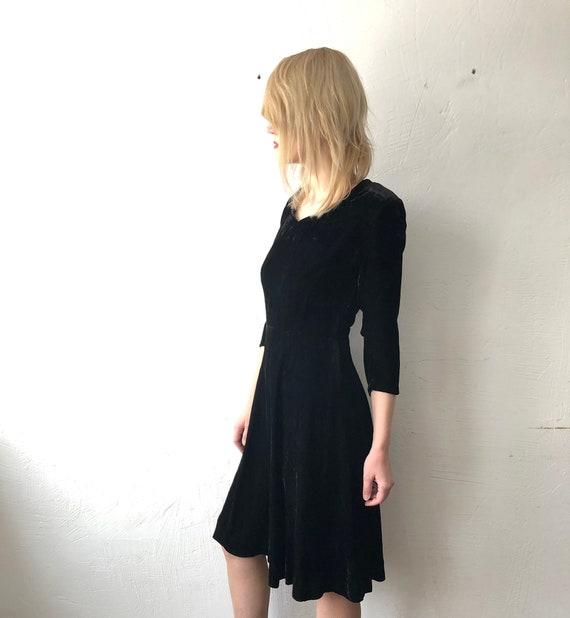 40s 50s handmade black silk crushed velvet dress.… - image 5