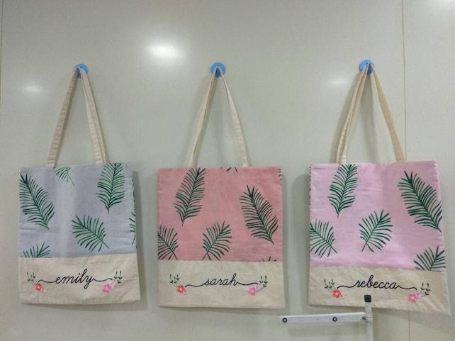 Tropical Tote Bags, Bridesmaids Tote bags, Bridesmaids gifts, Bridal Party gift, Wedding Tote Bags, Monogrammed Tote Bags, Bridesmaids Totes