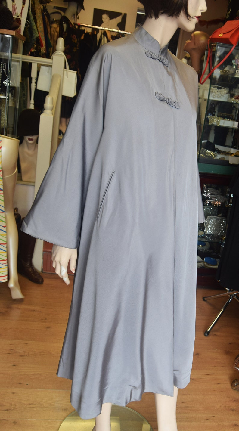 1940/'s Chinese Swing Coat in a mauve grey grosgrain.