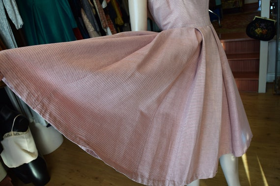 "Horrockses 1950's Pale Pink & Silver Dress, 38"" b… - image 8"