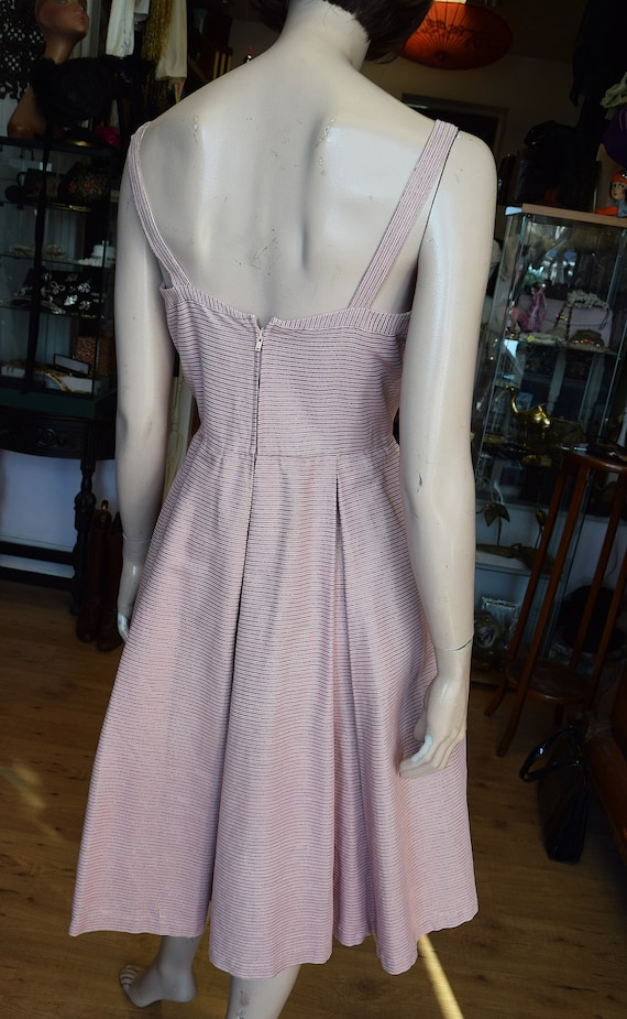 "Horrockses 1950's Pale Pink & Silver Dress, 38"" b… - image 6"