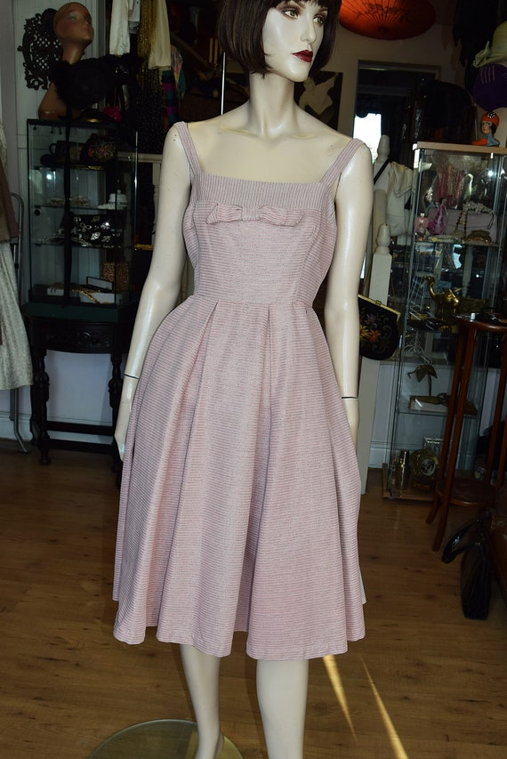 "Horrockses 1950's Pale Pink & Silver Dress, 38"" b… - image 2"