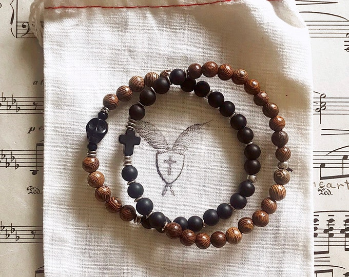 Men's Memento Mori Beaded Bracelet with Rosewood, Black Horn and Matte Black Beads