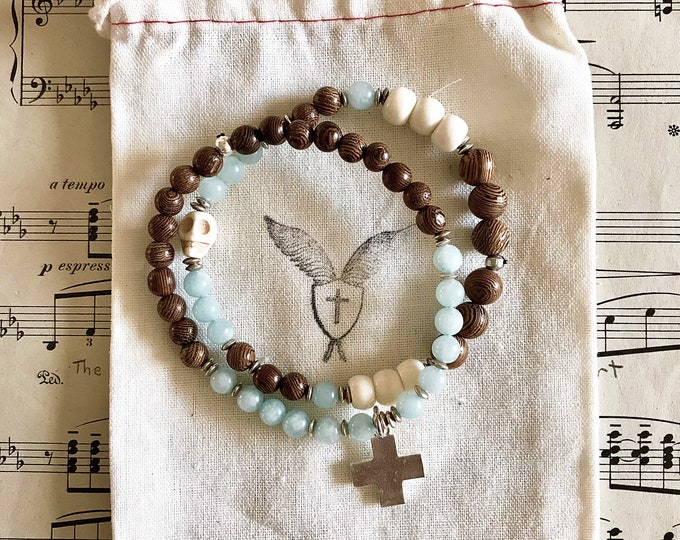 Men's Memento Mori Beaded Bracelet with Aquamarine, Rosewood and Natural Bone