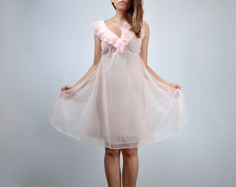 Vintage Sheer Nightgown, Pale Pink Babydoll Nightie, Womens Negligee - Small to Medium S M