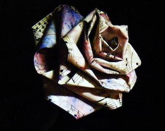 Roses fabriqué de papier de partition