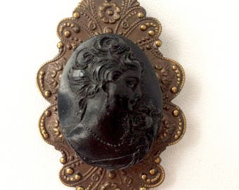Victorian Reproduction Cameo Brooch