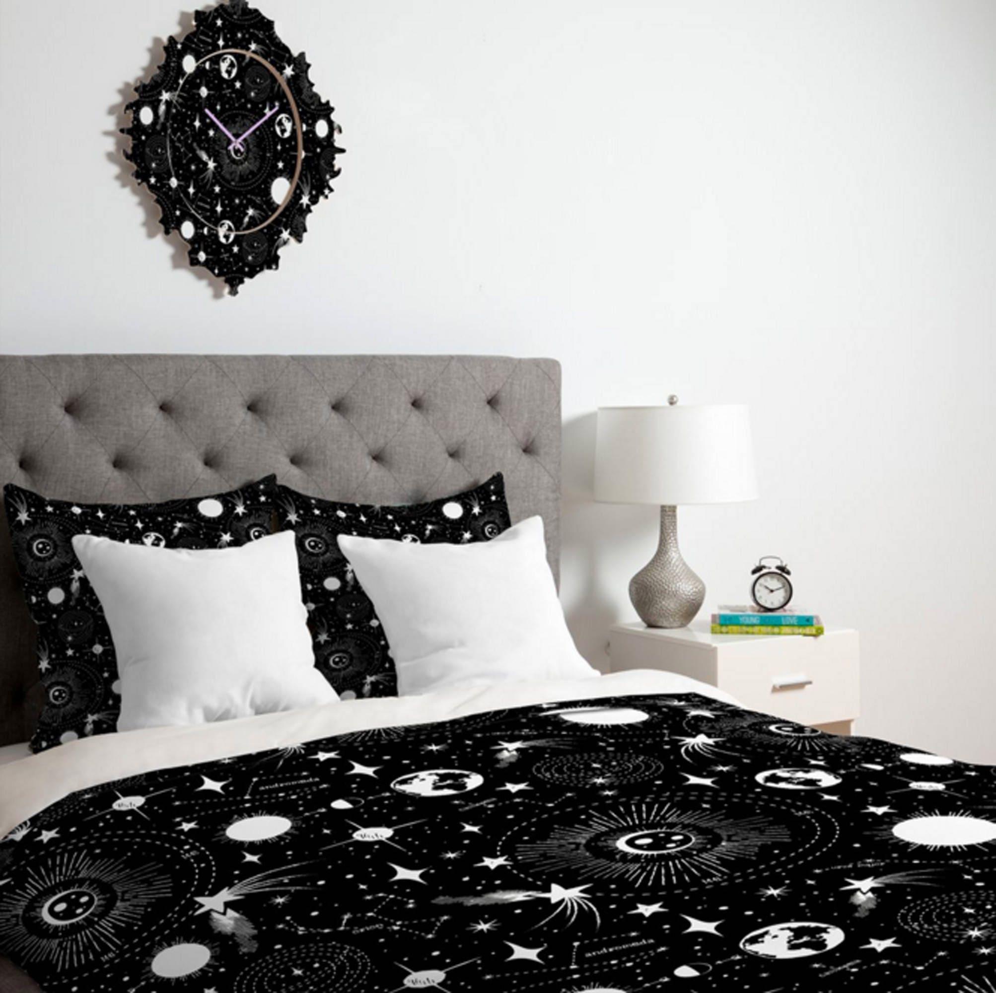 Couverture de couette noire | Espace extra-atmosphérique | Céleste | Twin, Queen, King Tailles | Literie | Décor maison | Conception du système solaire | Couette noire et blanche
