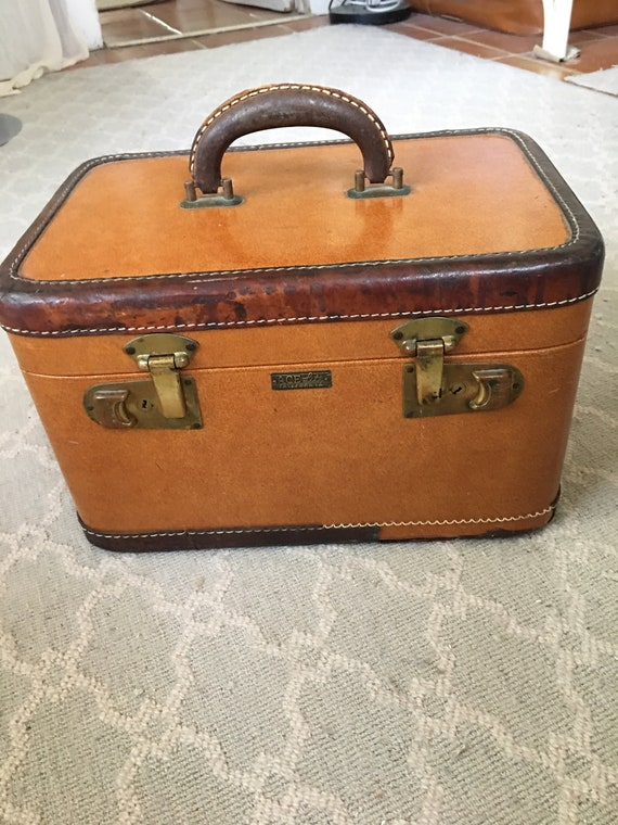 Vintage 1940s Brown ACE Lite California Train Case