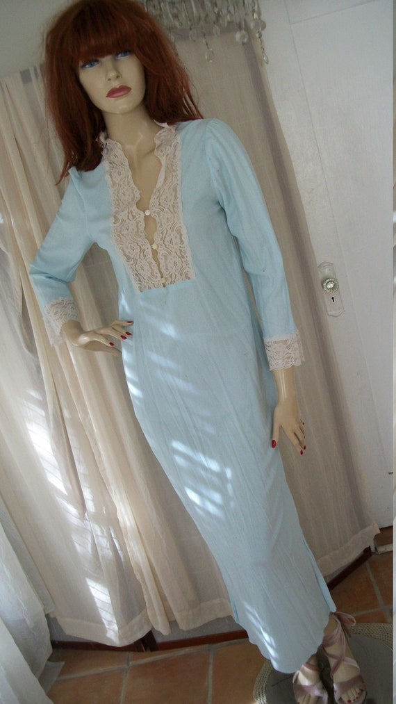 Vintage 1970s Baby Blue Flannel Nightgown with Lace Trim Maxi  d536eb3f2