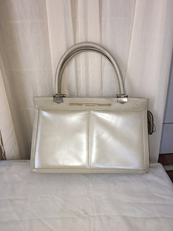 Vintage 1960s Beige Leather Handbag Boxy Style Cla