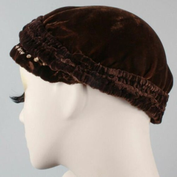 Vintage 1910s 20s Brown-Black Velvet Beret Cloche… - image 7
