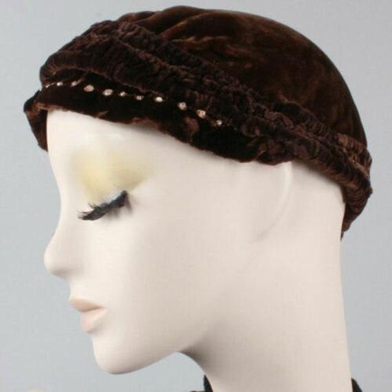 Vintage 1910s 20s Brown-Black Velvet Beret Cloche… - image 3